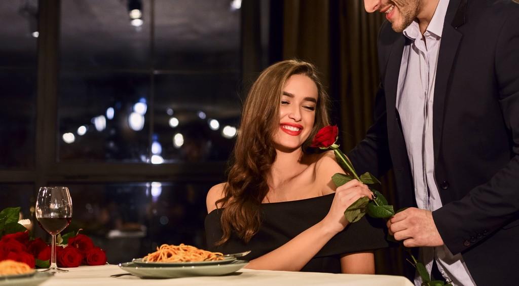 Comportement amoureux : dîner romantique